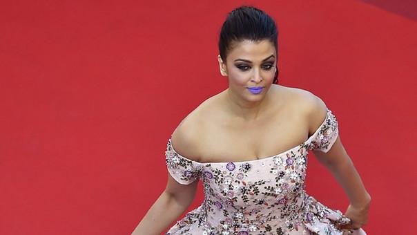 Aishwarya Rai deslumbró en Cannes con unos llamativos labios lila.