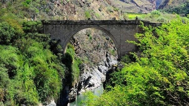 El puente Pachachaca se ubica sobre un río que lleva el mismo nombre en Apurímac.