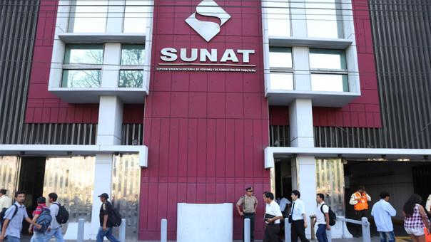 Lan Perú, Telefónica y Claro entre los mayores deudores tributarios en Perú, informó la Sunat.
