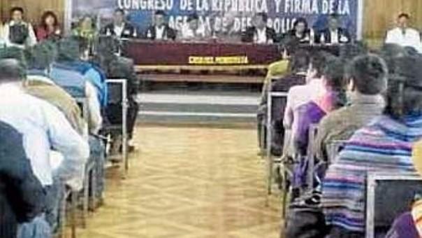 Candidatos presidenciales defraudaron a pobladores con su ausencia.