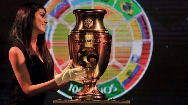 El nuevo trofeo conmemorando los 100 años del certamen continental.