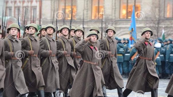 Acabada la Segunda Guerra Mundial, Rusia empezó a simbolizar una amenaza comunista para Estados Unidos y los países europeos.