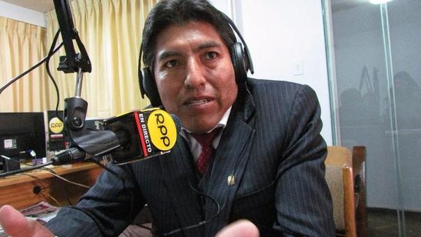 Alcalde provincial de Puno, Iván Flores, pide compromisos serios.