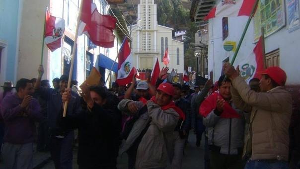 Los manifestantes demandaron a la empresa minera la forestación de dicha jurisdicción.