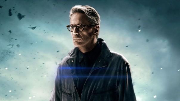 Jeremy Irons interpretó a Alfred Pennyworth en Batman V Superman