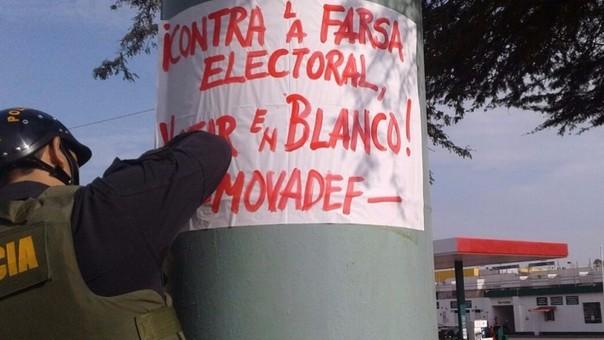 Carteles del Movadef aparecen induciendo al voto en blanco.
