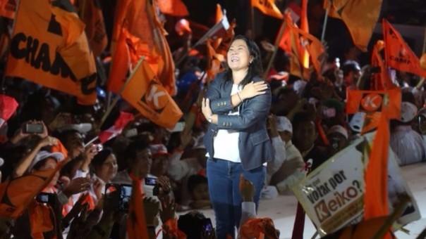 Keiko Fujimori cerró campaña en Villa El Salvador.