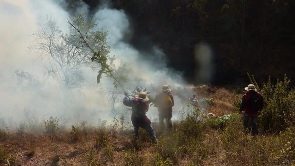 Incendio en zona de amortiguamiento de Macchu Picchu.