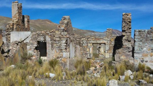 Esta estructura abandonada fue la casa en la que vivió la familia Kuczynski Godard, según pobladores de Challapampa.