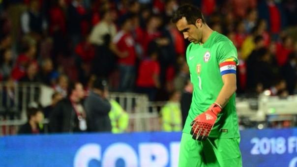 Claudio Bravo tuvo gran responsabilidad en el gol de la Selección de Panamá.