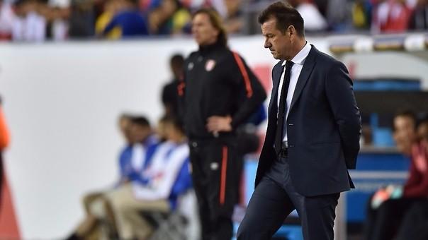 Dunga dejó de ser técnico de la Selección de Brasil.