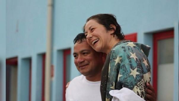 Nadadora italiana y su entrenador peruano
