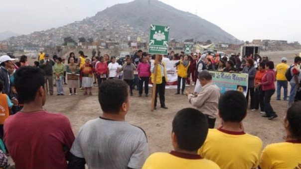 Ciudadanos participan en simulacro de sismo en Martinetti, Barrios Altos.