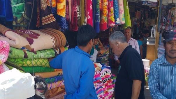 Aumenta la compra de ropa polar en los mercados