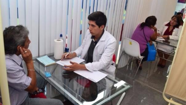 Afiliados al SIS podrán atenderse en hospitales del Ejército