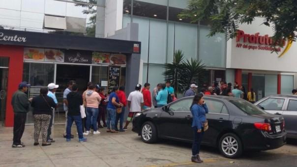 Trujillo: forman colas para informarse sobre retiro de 25% de fondos de AFP