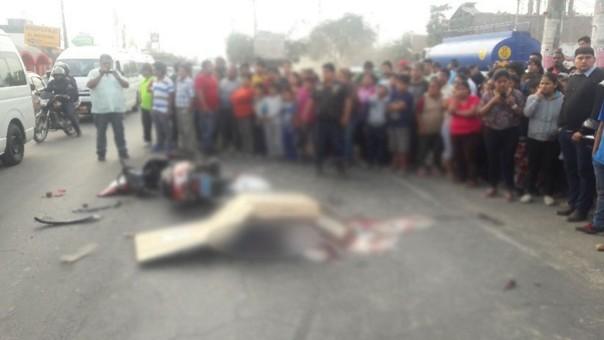 Accidente vehicular en la Panamericana Sur deja un muerto y un herido