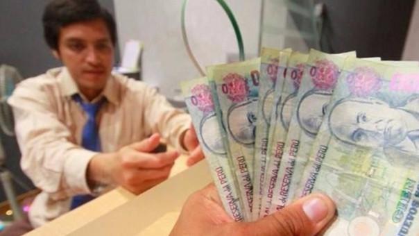 Banco recomendó a los que tengan deudas mensuales superiores al 30% de sus ingresos a reducir la cuota con la gratificación
