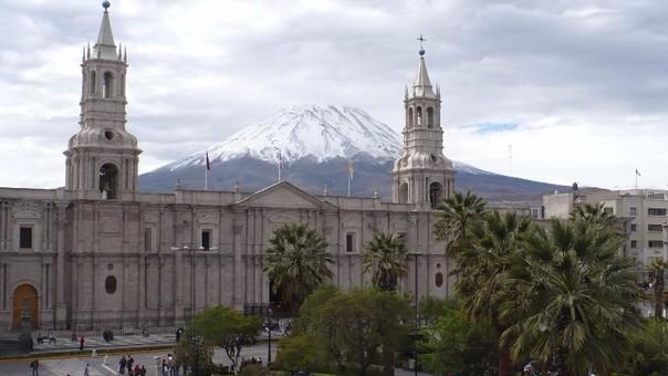 El tren ligero de Arequipa pasará por el centro de la ciudad.