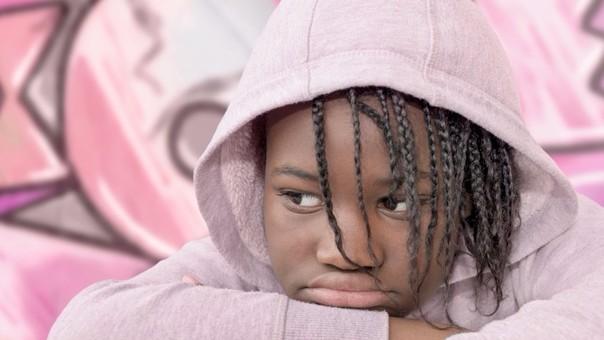 Los niños discriminados pueden sentirse deprimidos y tener bajo rendimiento escolar