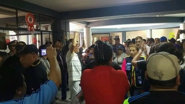 Empleados no descartan nuevas protestas
