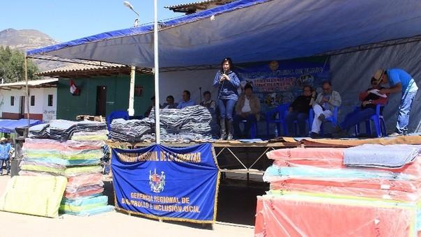 Julcán: entregan frazadas y colchones a pobladores que viven a 3.200 msnm