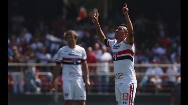 Christian Cueva anotó su primera gol con Sao Paulo en el duelo ante Corinthians.