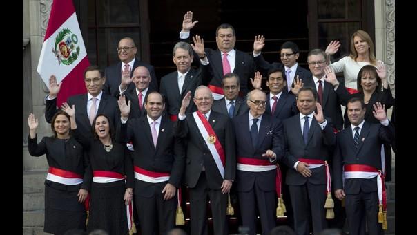 Ministros de PPK en pleno tras juramentación