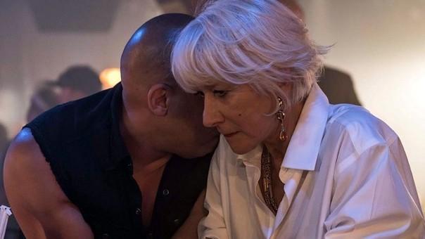 Helen Mirren junto a Dominic Toretto (Vin Diesel)