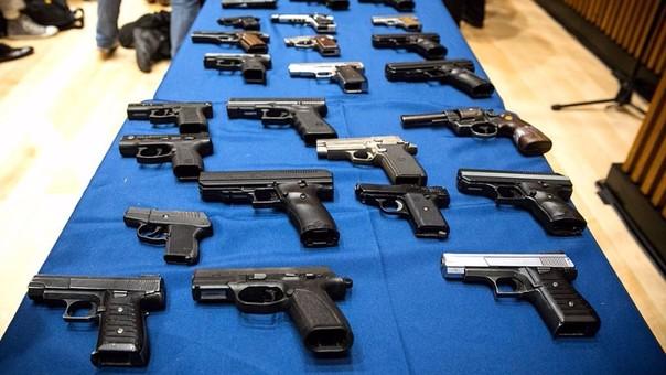 Cancelan 2,400 licencias de armas a personas en prisión o con antecedentes judiciales