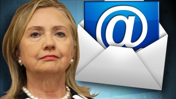 Padres de estadounidenses muertos en Libia en 2012 demandan a Hillary Clinton