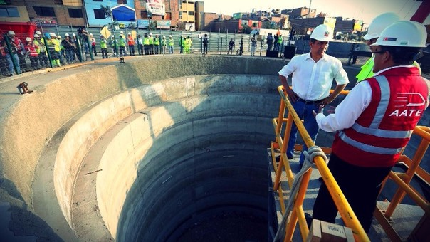 El expresidente Ollanta Humala el 14 de octubre de 2015 inspeccionando la obra que ahora es cuestionada.