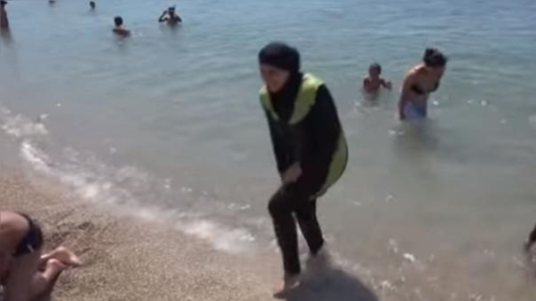 Multan a tres mujeres en Cannes por usar