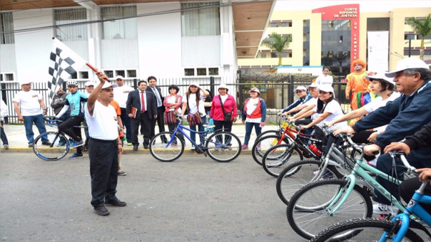 Bicicleteada de jueces en Chiclayo