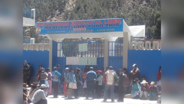 Protesta de padres de familia en Huancavelica