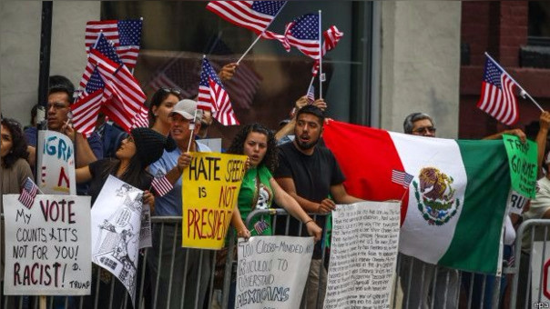 Donald Trump se ha ganado el rechazo de la población mexicana con su agresivo discurso anti inmigratorio. Mexicanos residentes en EE.UU. se han manifestado en varias ocasiones contra el magnate.