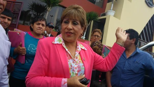 Alcaldesa provincial, Victoria Espinoza