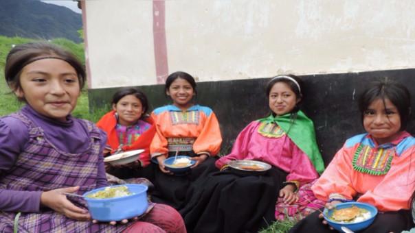 Desayunos escolares en la zona andina de Kañaris
