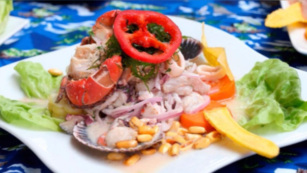 El ceviche, plato bandera del Perú que es muy consumido en España.