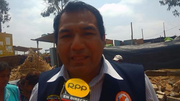 Funcionario de Defensa Civil, Artuo Huanca