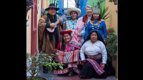 Tejedoras peruanos rumbo a México