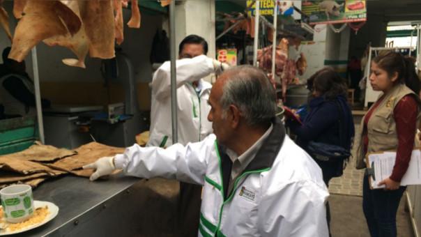 Incautan carne