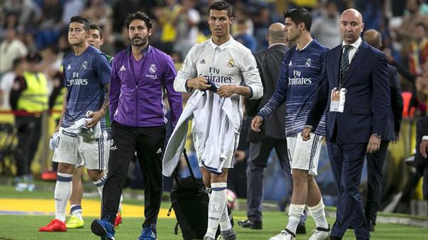 Cristiano Ronaldo se fue molesto del campo al ser cambiado en el 2-2 entre Real Madrid y Las Palmas.