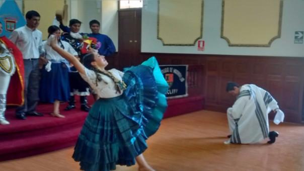 Nieto propuso un concurso nacional para el día 27 de julio de cada año. Busca promover la diversidad étnica y cultural del país.
