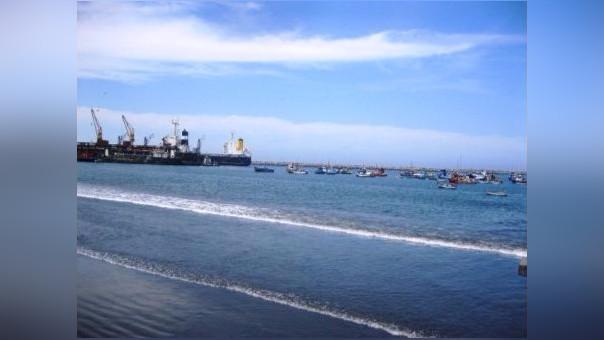 Trujillo: puerto Salaverry ya lleva cinco días cerrado por oleaje