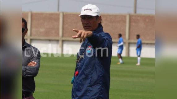 Ángel Comizzo analiza al futbolista peruano