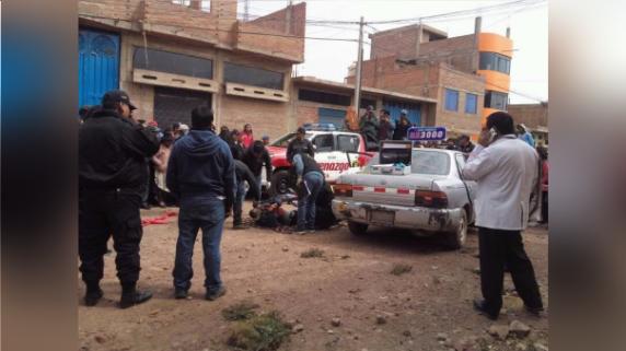 Delincuentes asesinan a taxista de dos balazos en Taparachi — Juliaca