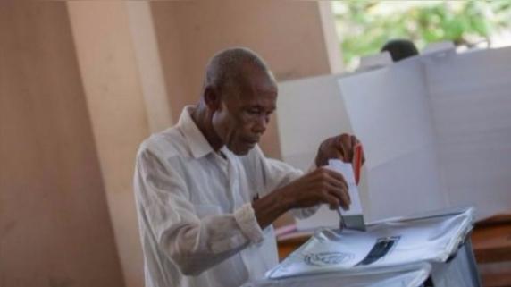 Las elecciones se iban a realizar este 9 de octubre y fueron pospuestas.