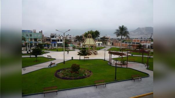 Plaza Virú