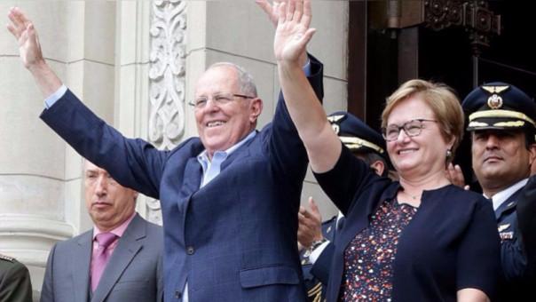 Kuczynski suele mostrarse acompañado por Nancy Lange en los eventos públicos, como la celebración de su cumpleaños el pasado lunes.